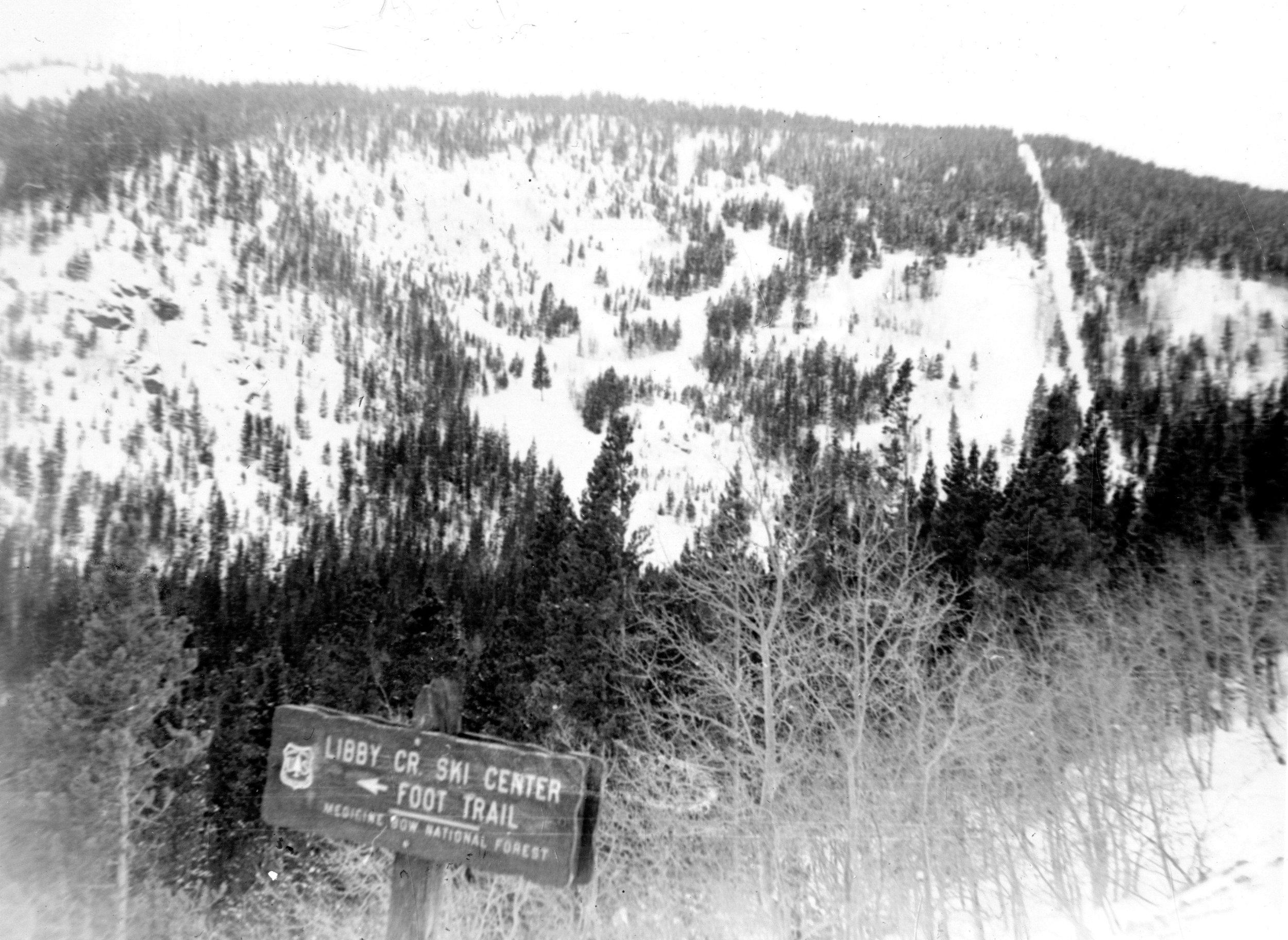 Sign to Libby Creek Ski area, 1948.jpg