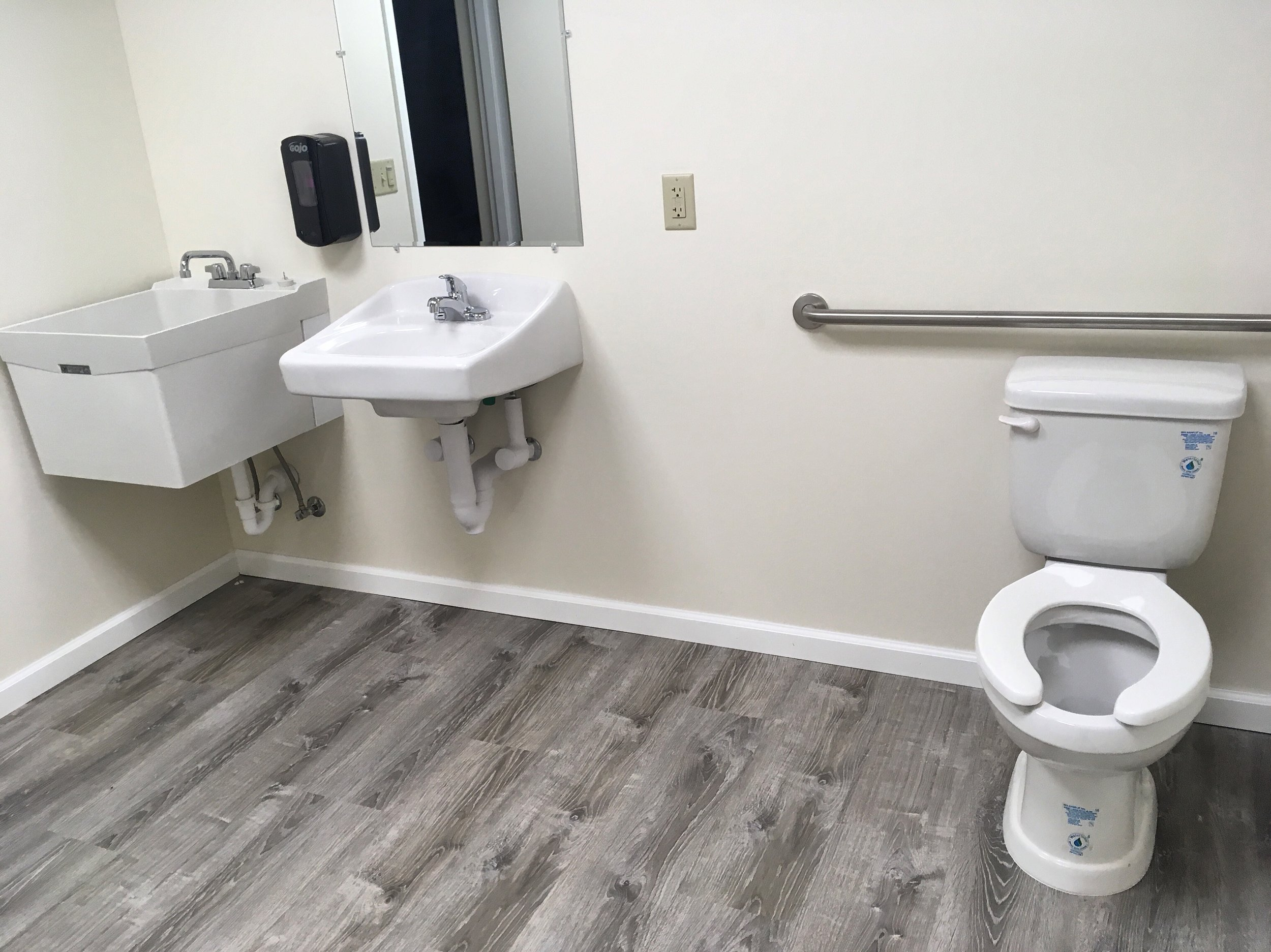 Accessible bathroom.jpg