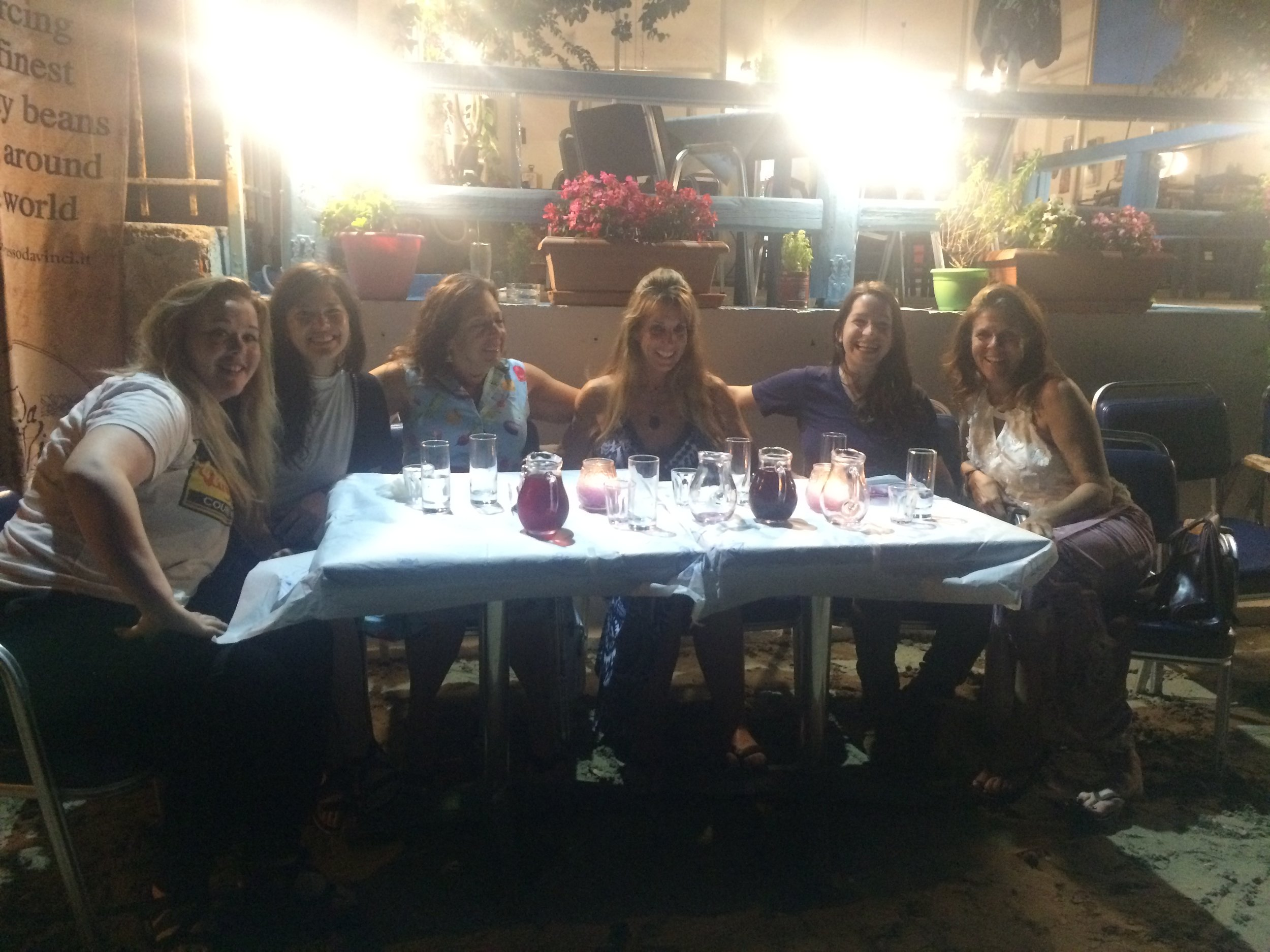 Women's night out - In Tolo.