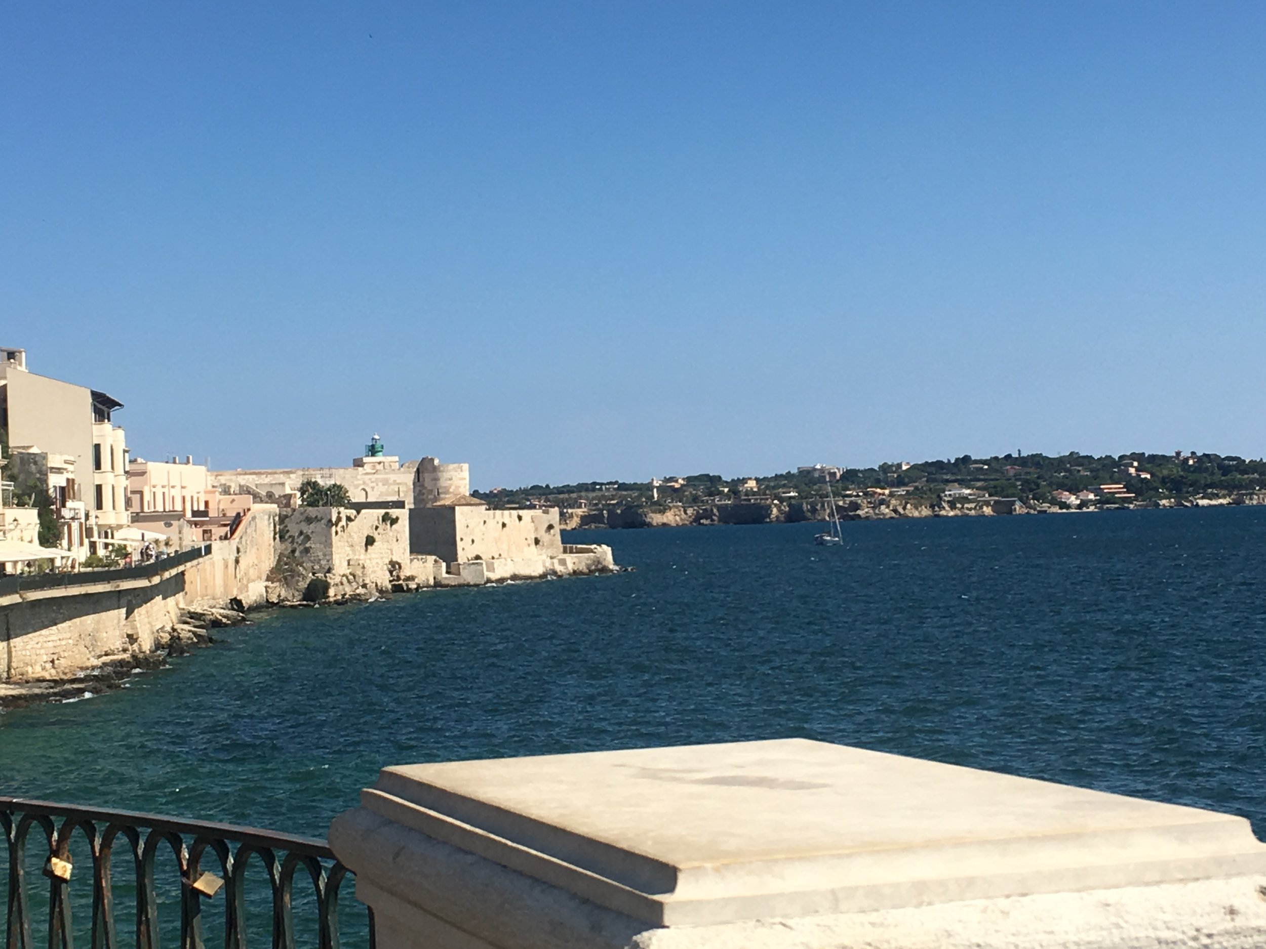 Archimedes held off... - the Romans in this harbor of Syracuse.