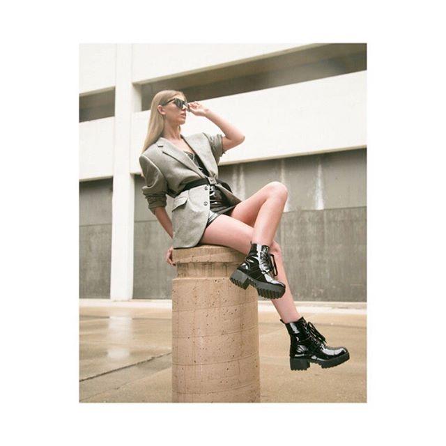 "Renegade Shoot: ""Futuristic Alley"" is up on @patternmagazine website! Go check it out! . . Team:  Models: @kylacoldironn @tamalynn_ogrady @lmodelz  Stylist/Creative Director: @chey_lael  HMUA: @jennabeckerbeauty  Photographer: @chantal.d.photography . . Clothing: @unfollowedcreator @nikewomen @nike @godsmack . ."