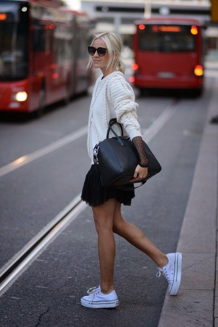 Platform-Sneakers-Street-Style-For-Women-7-700x1050.jpg