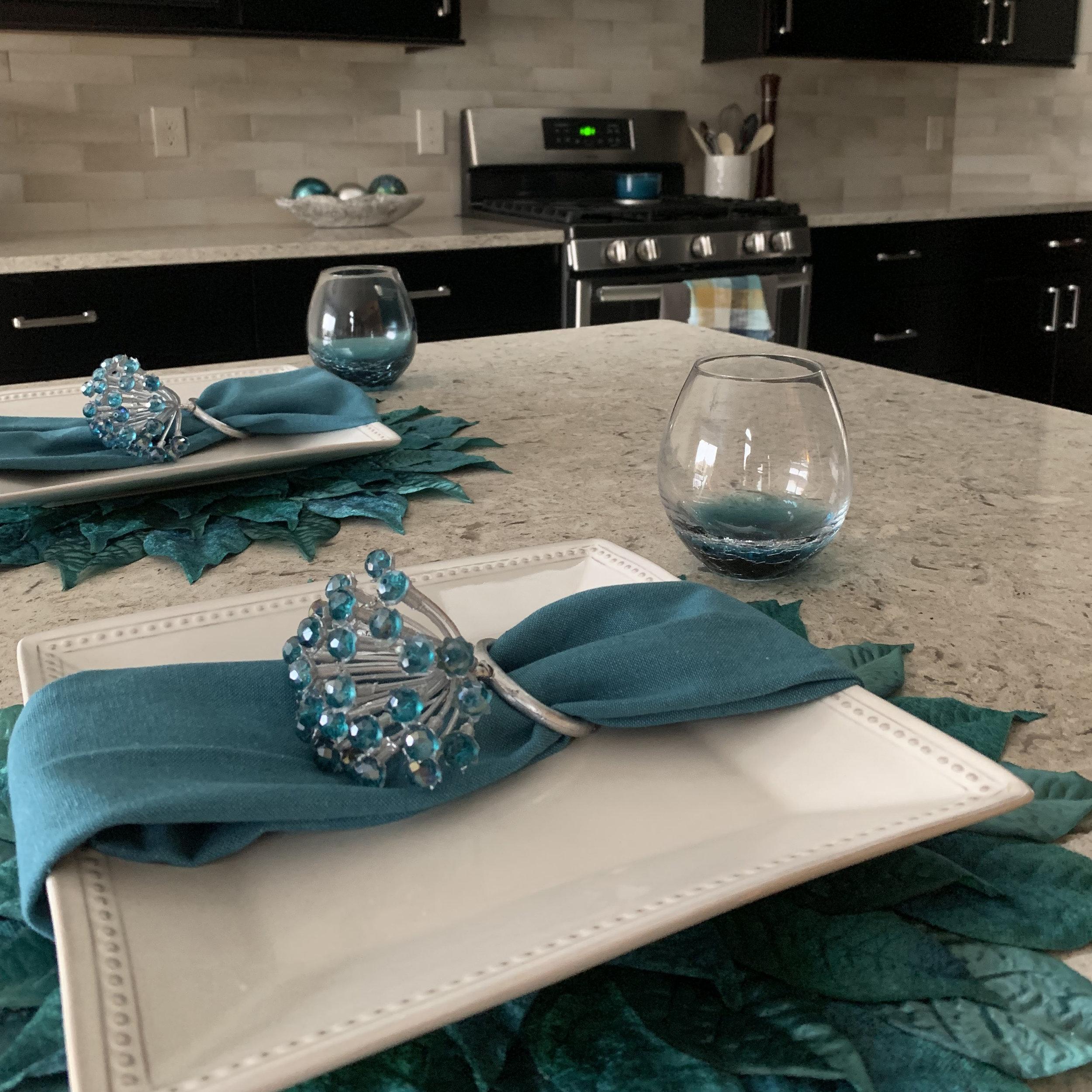 Modern Kitchen3.SQ.jpg