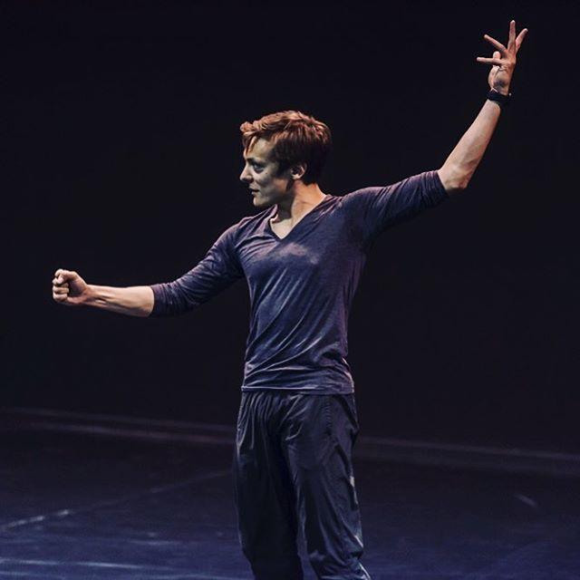 Making Stuff! #choreography #dance #creation #creative #2018 #danceoncamera #iphonex #contemporarydance #instadance #instachoreography #ballet #balletboy #instaballet #worldwideballet #worldwidedance #peoplemakeglasgow #lanternsstudiotheatre