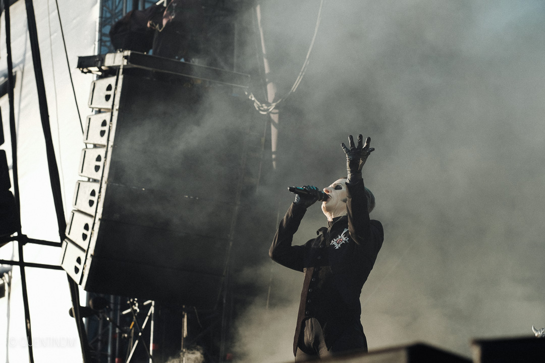 ghost-metal-live-photograph-001.jpg