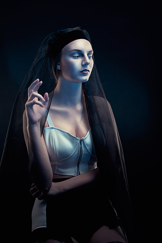 fashion-photo-mysterious.jpg