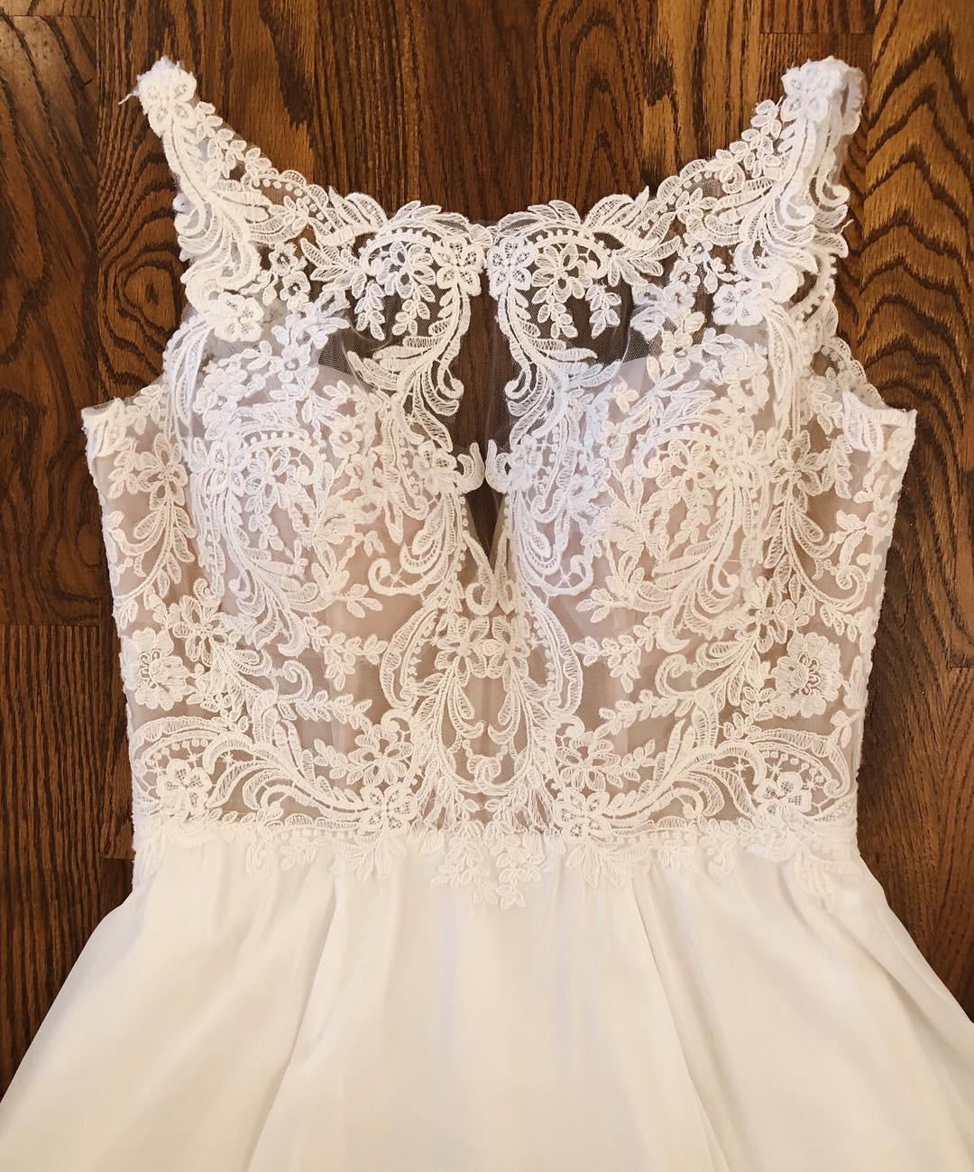 Find the perfect Stella York wedding dress!