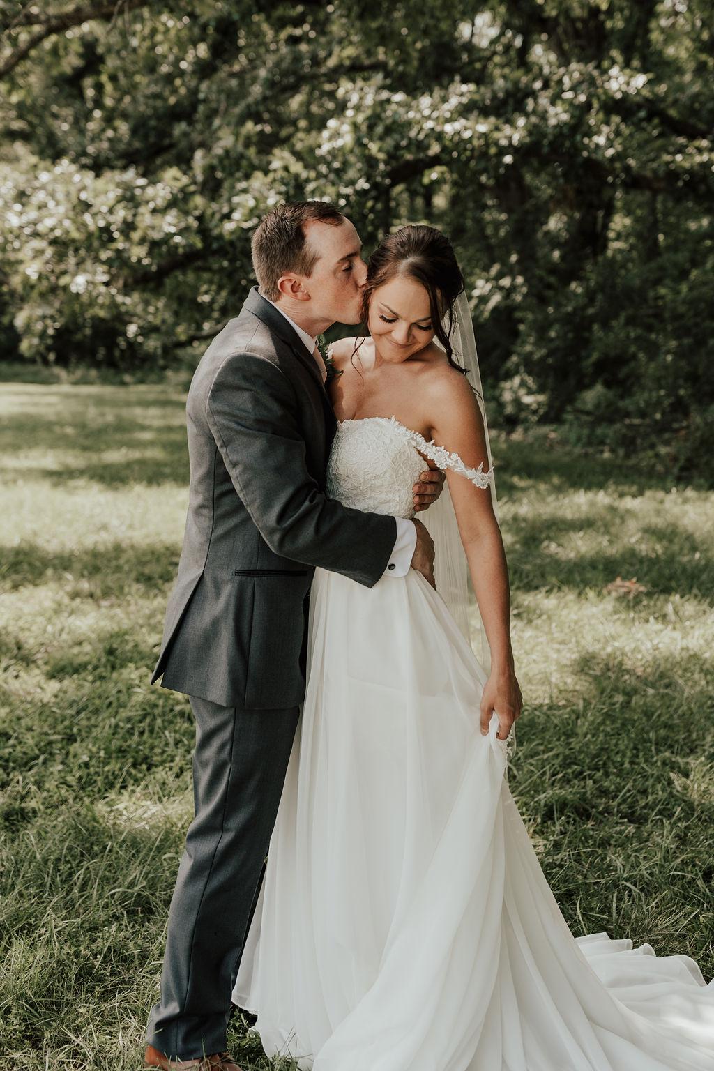 StLouis-Wedding-Photographer-Taylor+Michael-Portraits121.jpg
