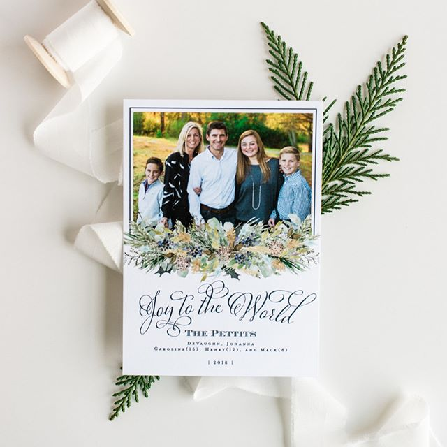 We love to coordinate the design with the photo! ⠀⠀⠀⠀⠀⠀⠀⠀⠀ ⠀⠀⠀⠀⠀⠀⠀⠀⠀ We are still accepting orders for Christmas cards, don't hesitate to reach out to us to get started on your design!