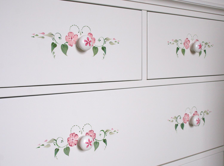 painted_furniture_3.jpg