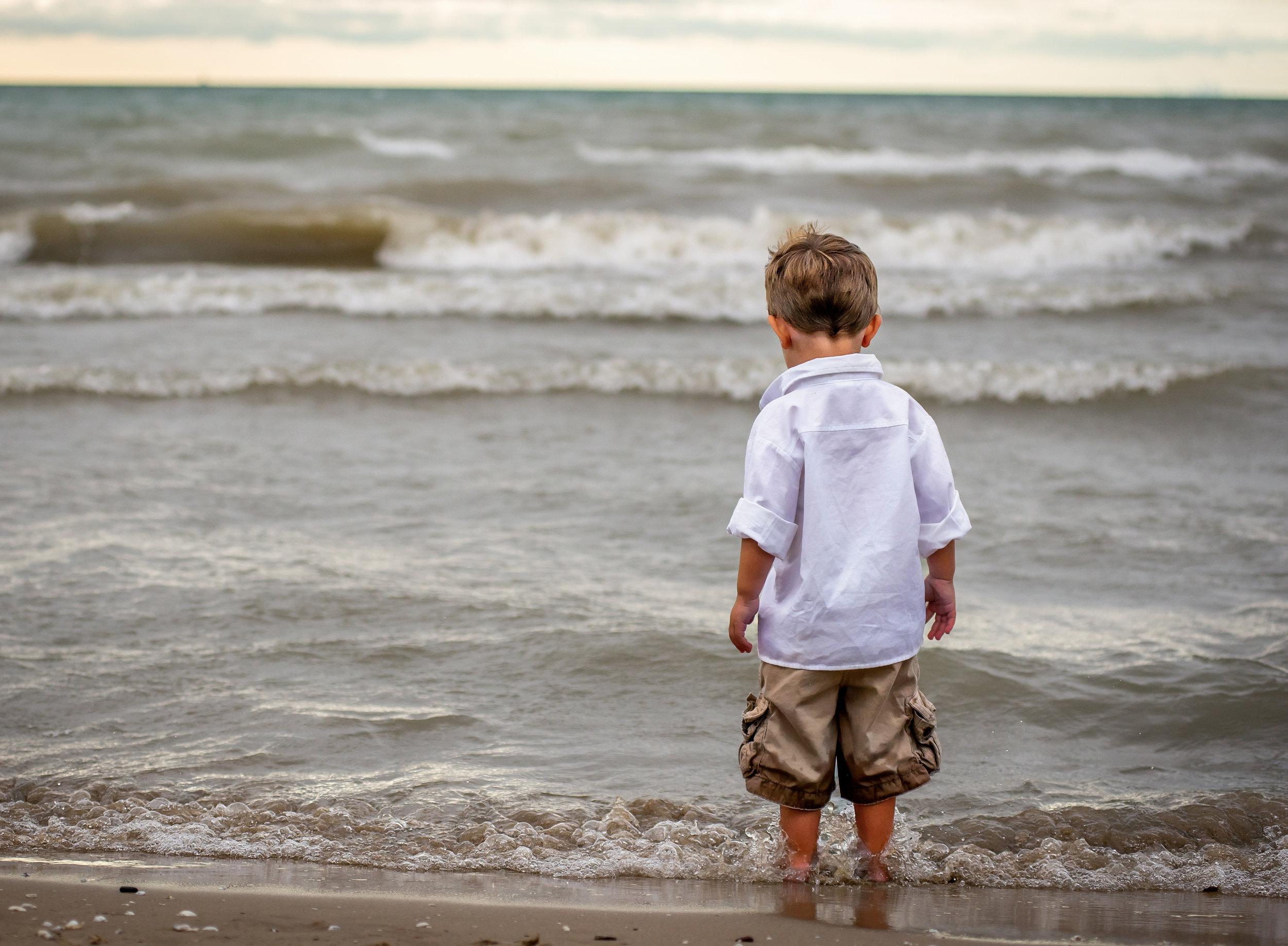 Boy at beach-7985_pe.jpg