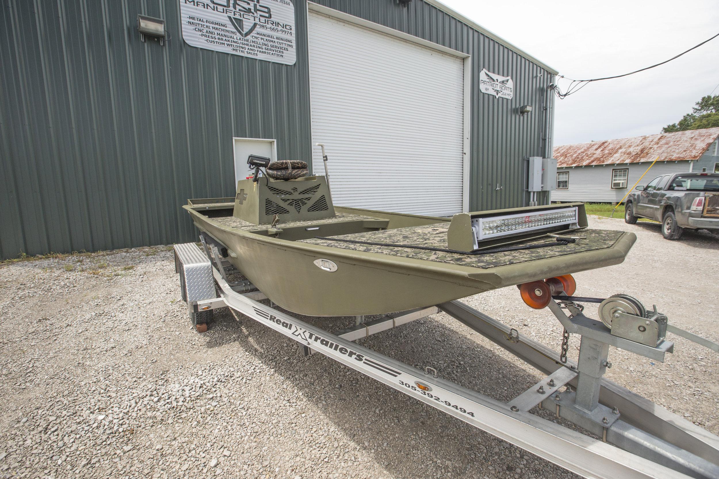 - 20ft mud boat
