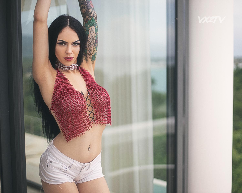Vasko Obscura Molly Rennick VX2TV vx2beachparty 1086-fb.jpg