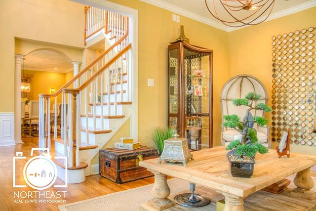 Professional photos are key in getting a house sold as fast as possible. Book with us for the best prices in the region!