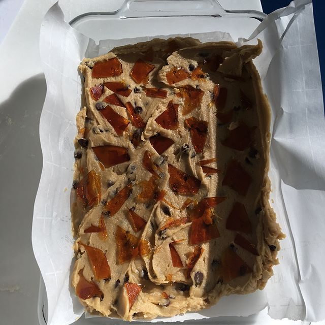 Butterscotch blondies from @violetcakeslondon — my favorite bakery in London. Also, I would like to note, it was my favorite bakery before she was picked to make Meghan and Harry's cake. (Although I did feel very affirmed when the news came out.)