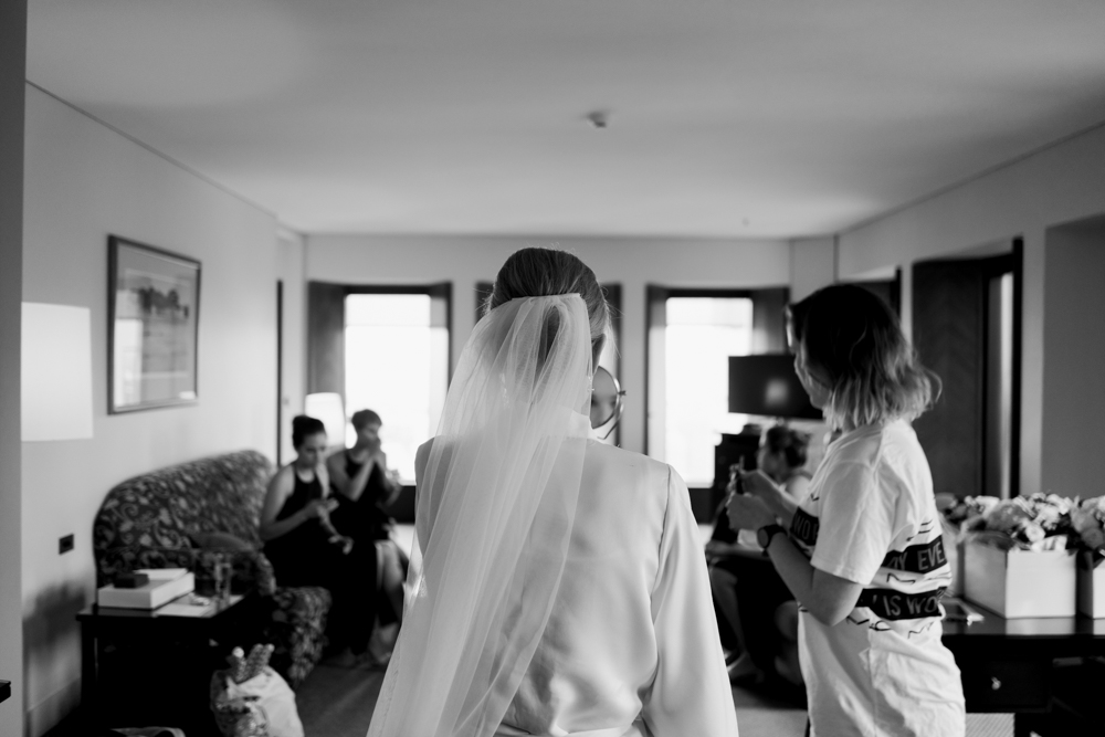 4.Danielle+James_Urban-Wedding-38.jpg