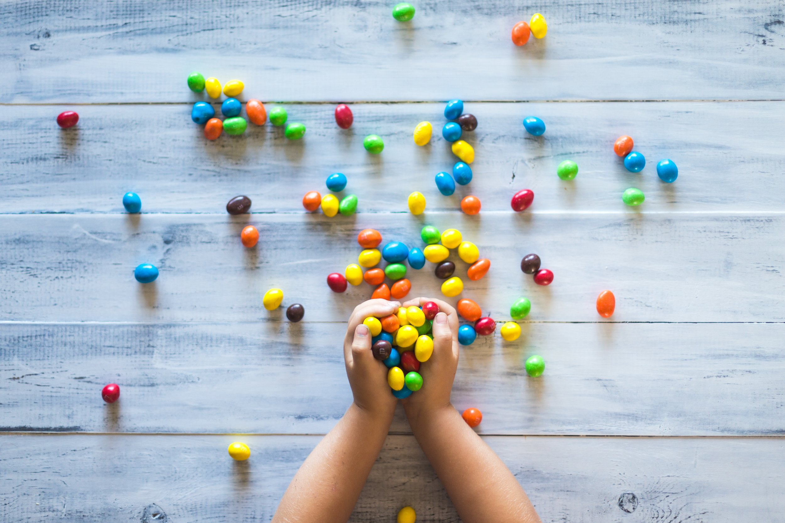 2. kids, leave some lollies for the hundreds of others! - And parents, your DONATIONS are very much appreciated.