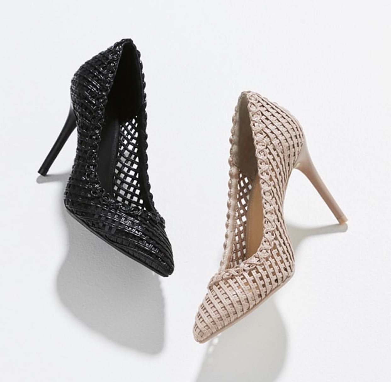 Shoes - A pump (with a closed heel and toe) is more stylish than a sandal when dressed in Melbourne Cup attire.Also, a lady NEVER removes her footwear - even for karaoke!