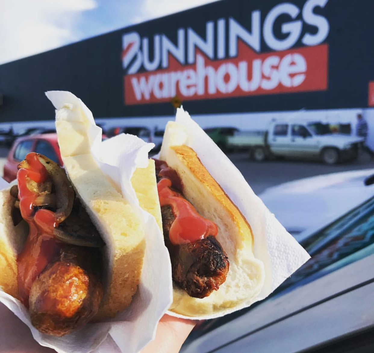 6. Bunnings sausages - The only store in the world where buying hardware on the weekends also becomes a dining experience.