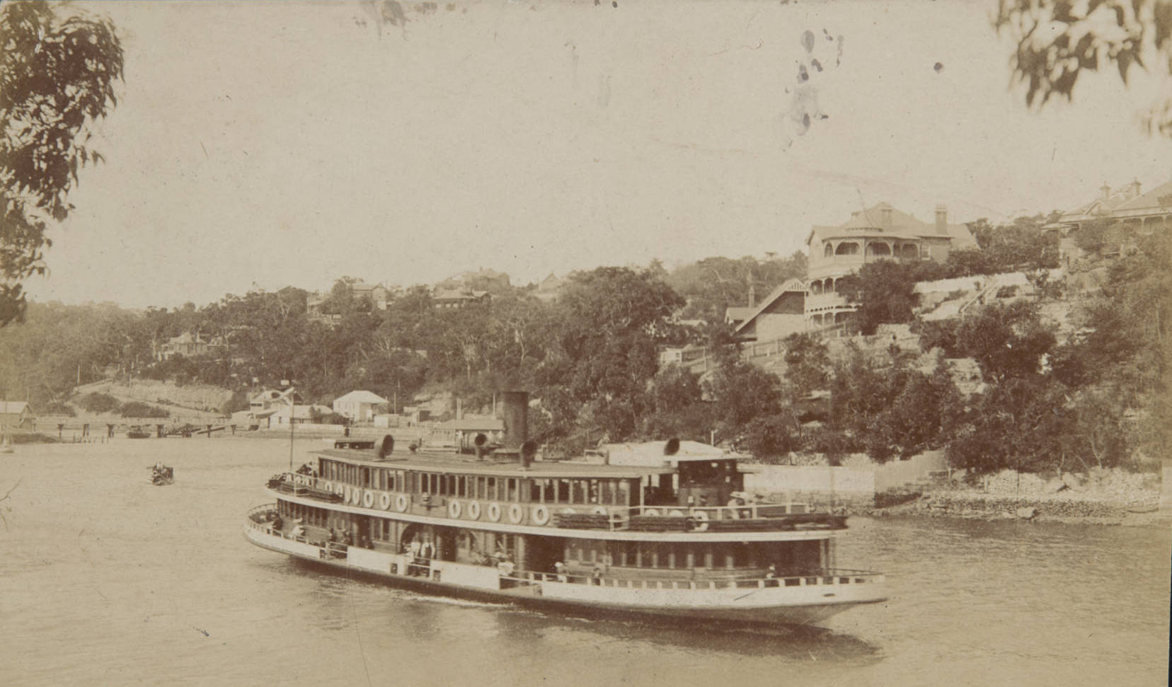 Steam boat coming into Mosman Bay Early 1900s.jpg