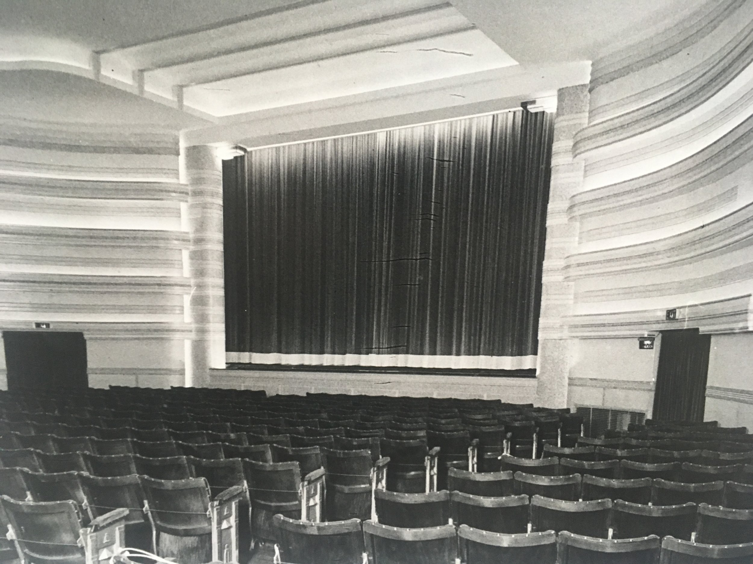 The New Kings Theatre 1937.JPG