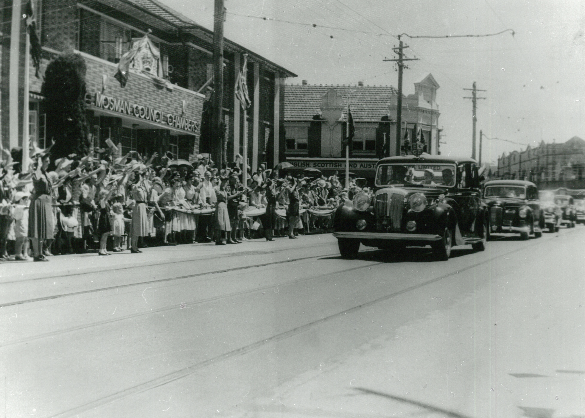 Queen Elizabeth and Prince Philip arrive in Mosman. Feb 1954.
