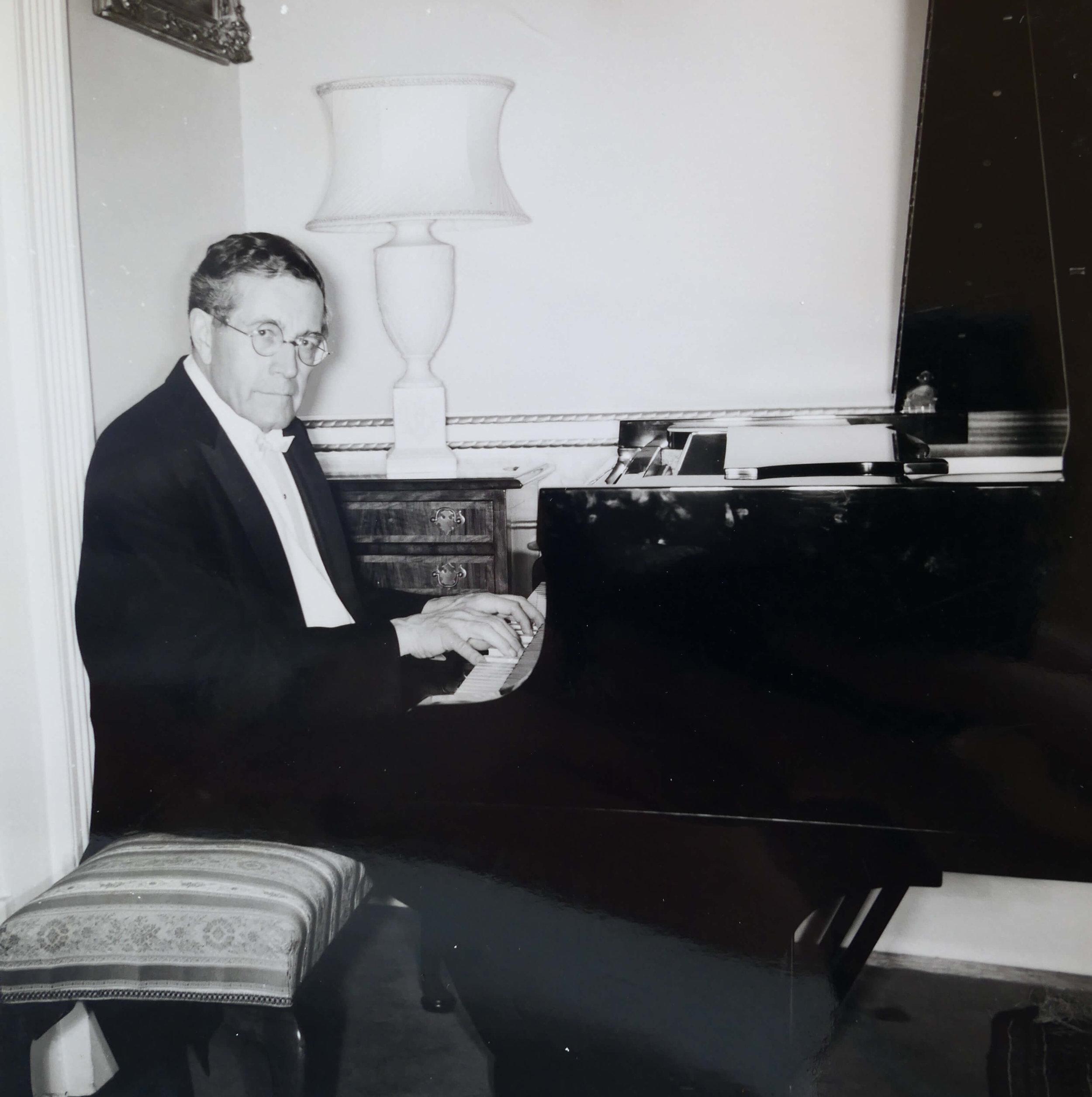 Pianist Karl Schnabel (1).jpg