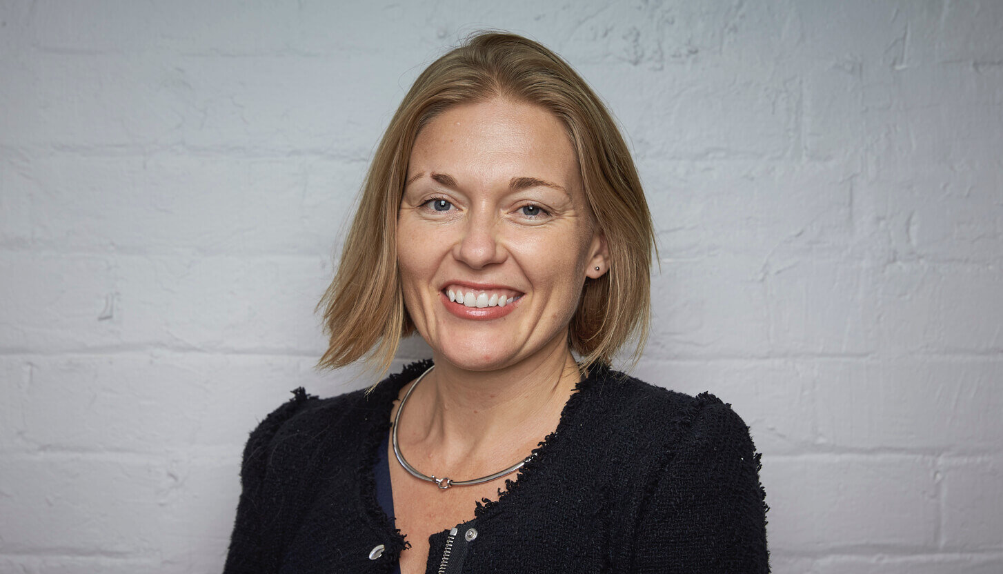 COMMITTEE MEMBER: Dominique Hind