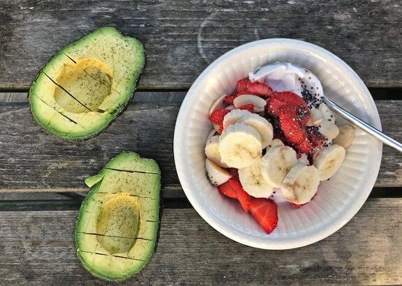 Kokosyoghurt met vers fruit