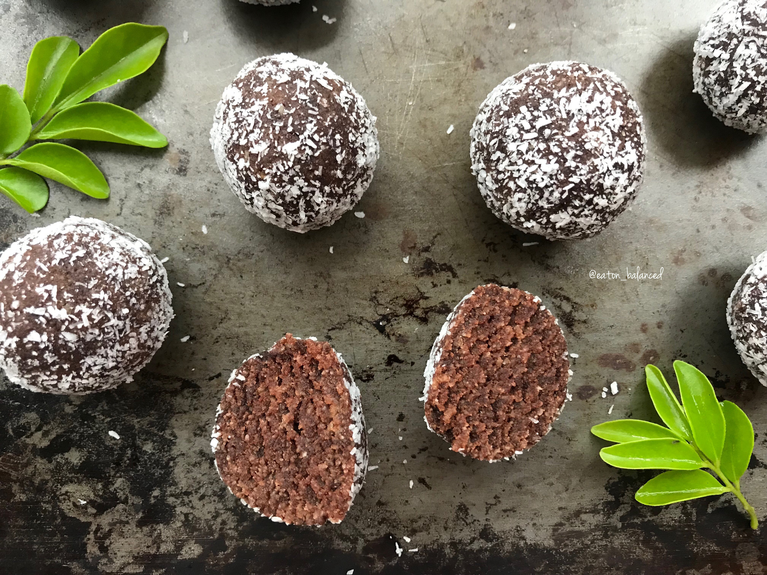 Mint Chocolate and Almond Balls