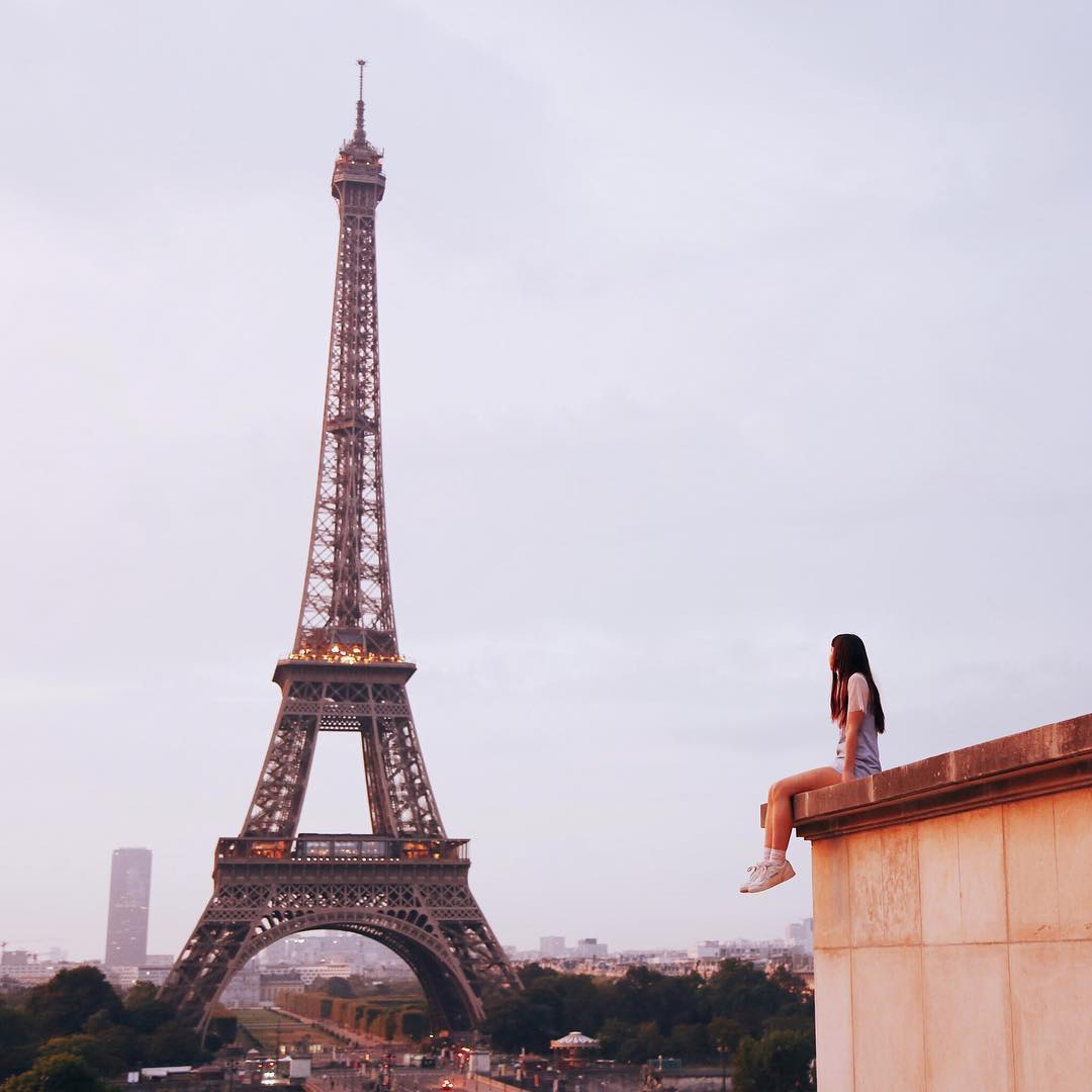 19/ Saw the Eiffel tower at sunrise - If you want to experience something magical, wake up in the dark and head to the Eiffel tower for sunrise. It also means you can get a shot without the crowds.