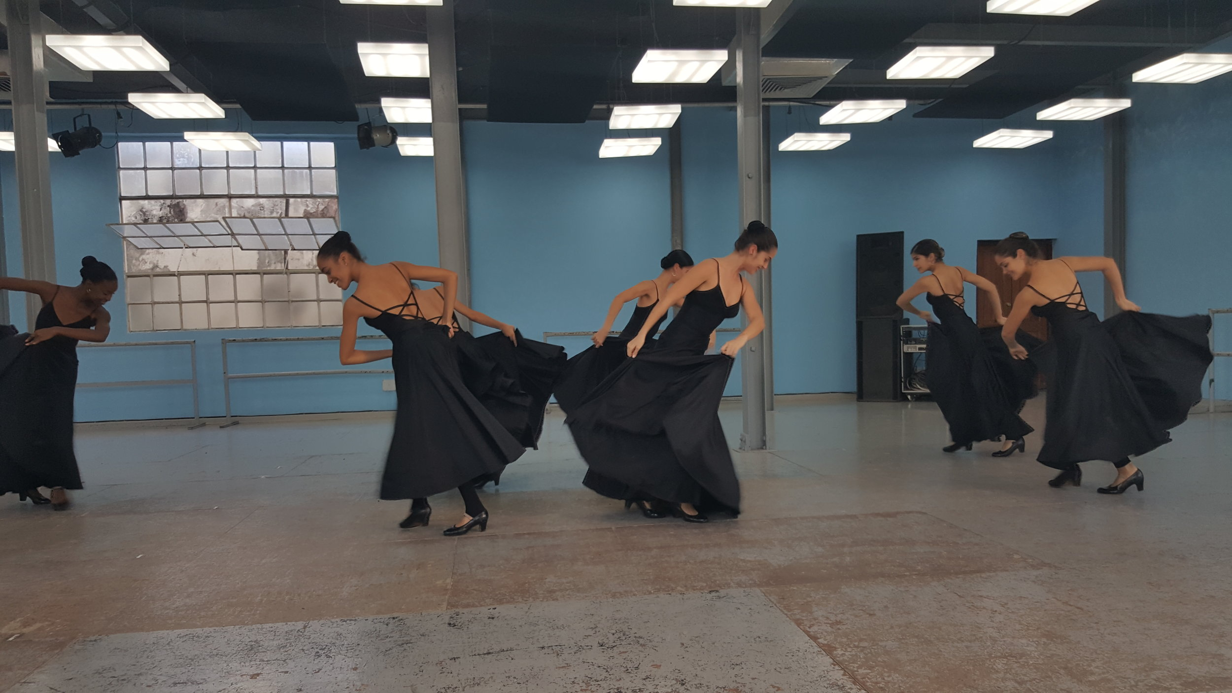 Dancers 3.jpg