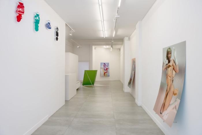 Exhibition view Stef Van Looveren 'O', Barbé Urbain gallery, Ghent