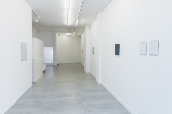 Exhibition view (1st room), 'Ive never built anything on new land' by Stan Van Steendam, Barbé Urbain gallery, 2018