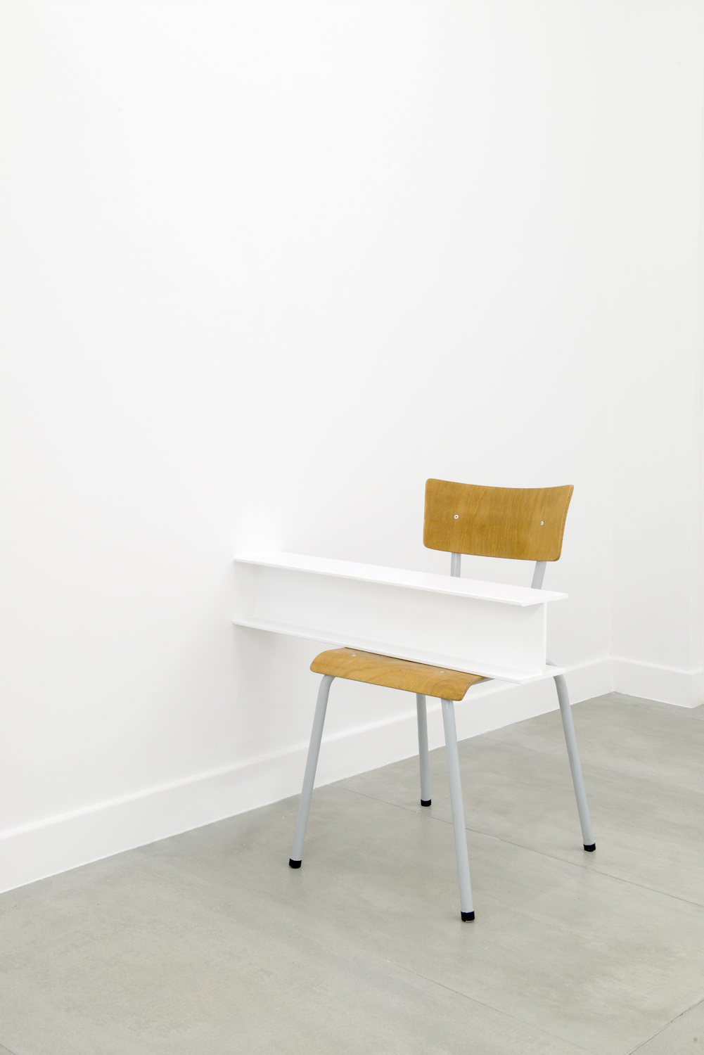 Roeland Tweelinckx,  Replacements  (2019).White beam, chair,80 x 50 x 78 cm