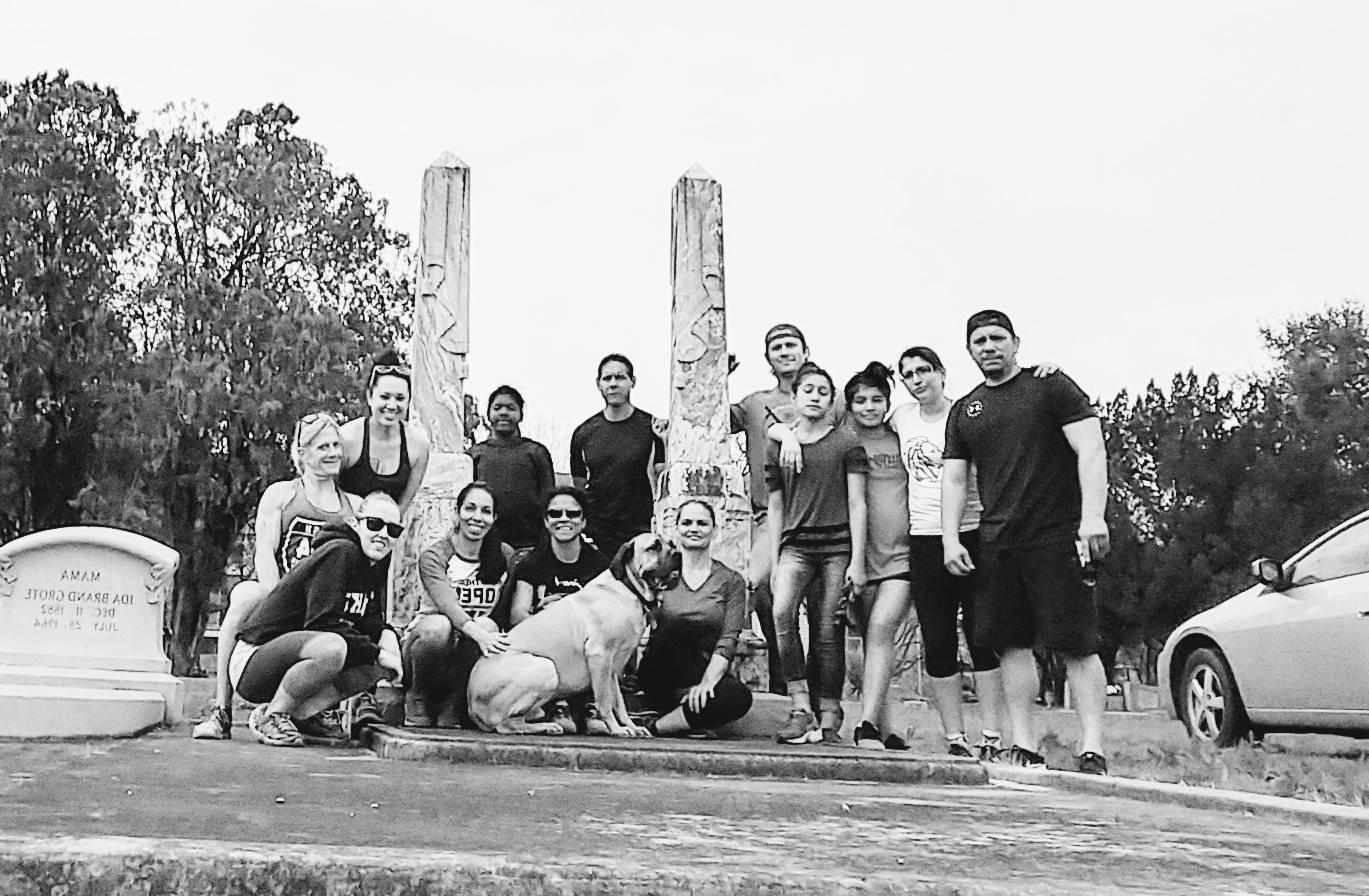 Salado Cemetery group.jpg