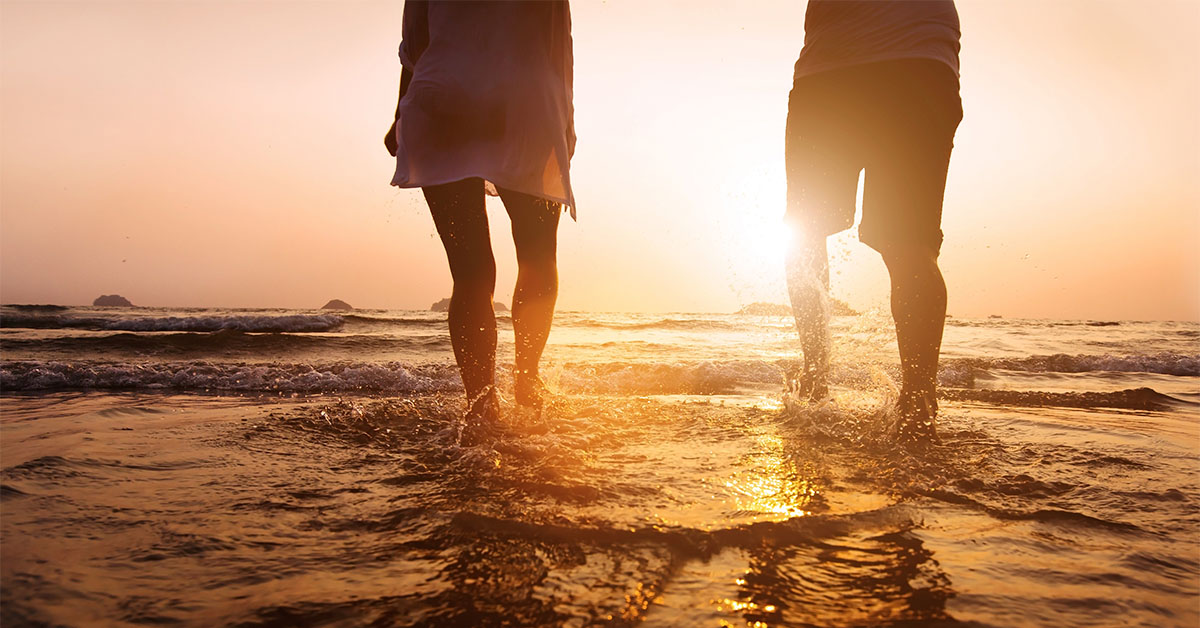 El agua es la cosa mas suave, y aún así puede penetrar montañas y tierra. Esto demuestra el principio de que la suavidad supera la dureza. Lao Tse