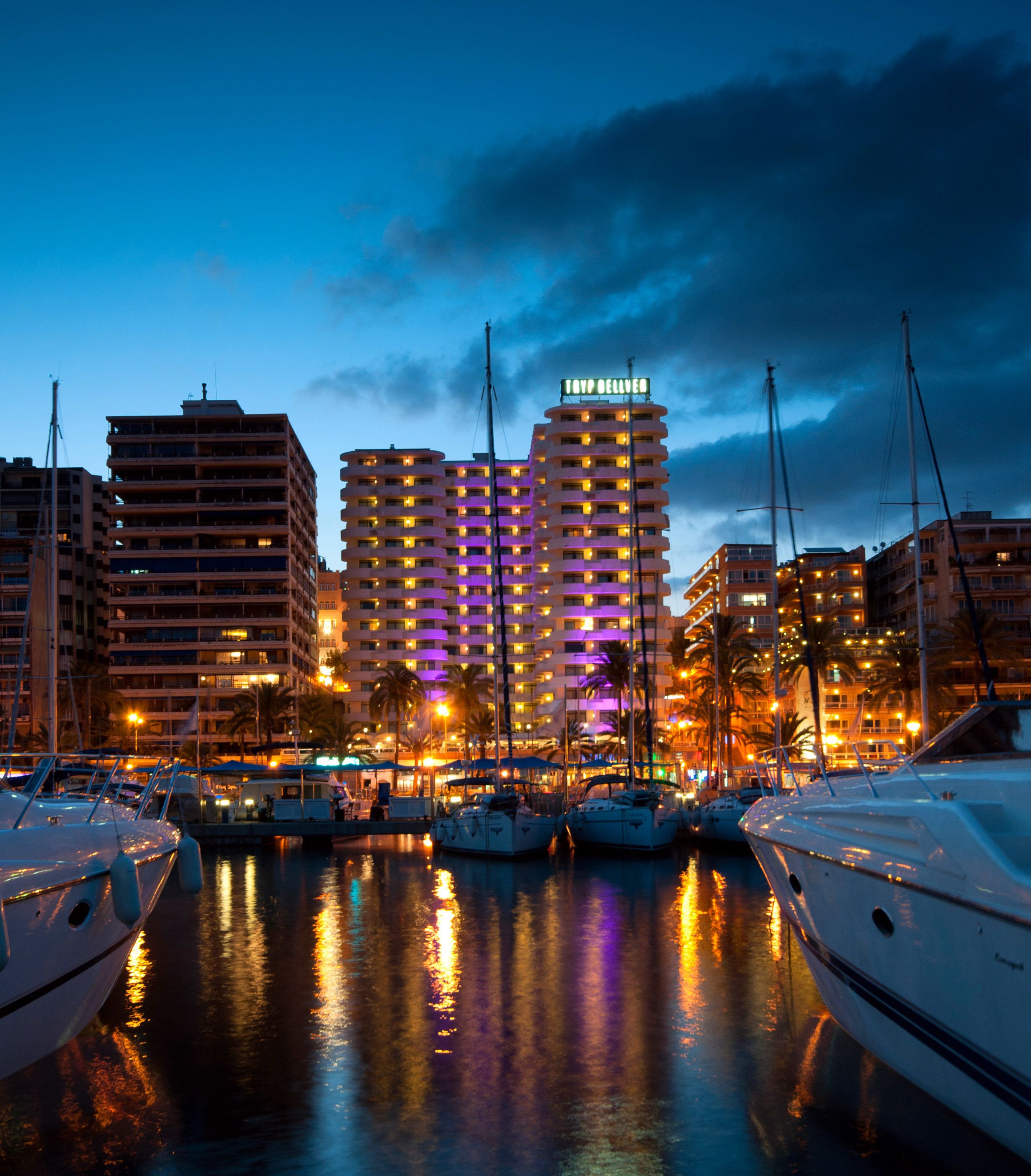 Palma Bellver at night
