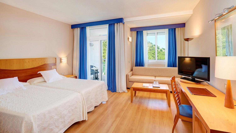 hipotels-eurotel-double-room-garden-view.jpg