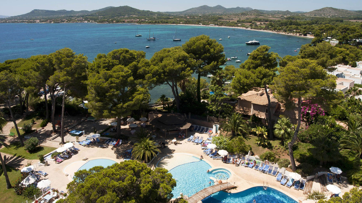 hipotels-eurotel-pool-and-sea-view.jpg