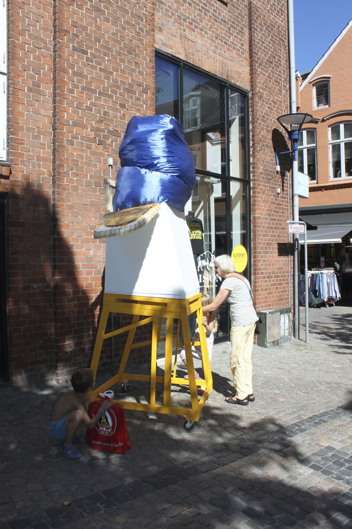 "In process.My sculpture ""Releasing of feelings"" are out in the streets of Aabenraa. I invite people inside my sculpture to reflect upon theiremotions and thoughts. ""From SPACE to PLACE to PARTICIPATION""AABENRAA ARTWEEK 2015 -"