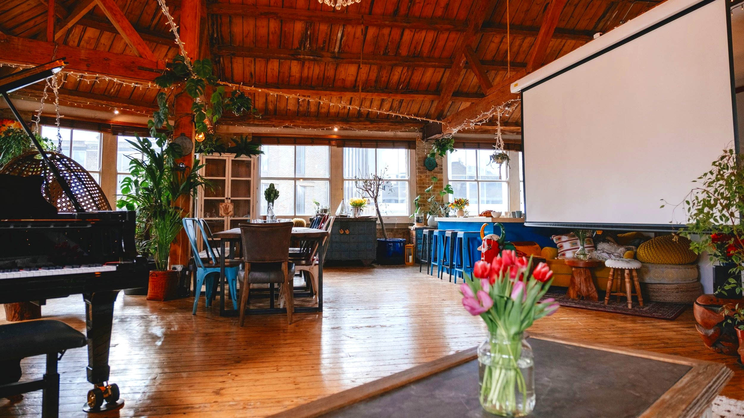 Shoreditch-Treehouse-Projector+Screen-Corperate-Hire.jpg