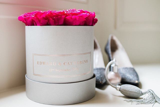Here's a beauty of a  personalised dove grey box filled with hot pink preserved roses!  These can make wonderful gifts for your weddings guests in either this large box or the medium or small. Nearly every colour under the rainbow is available, even in suede and leather 💕! . . Originality is hard to find when it comes to gifts and wedding favours but we're here to make it happen! . . . #weddinggifts #weddingfavours #originalgifts #personlisedpresents #weddingplanners # #preservedroses #preservedflower #organicroses #luxurious #sophisticated #giftsforher #giftideas #beautifulblooms #roses🌹 #flowerlovers #pursuepretty #visualcrush #justbefloral #simplethingsmadebeautiful #luxuryliving #weddinginspo #weddingideas #weddingplanner #housegoals #inspiredbypetals #boxofflowers #rosebox
