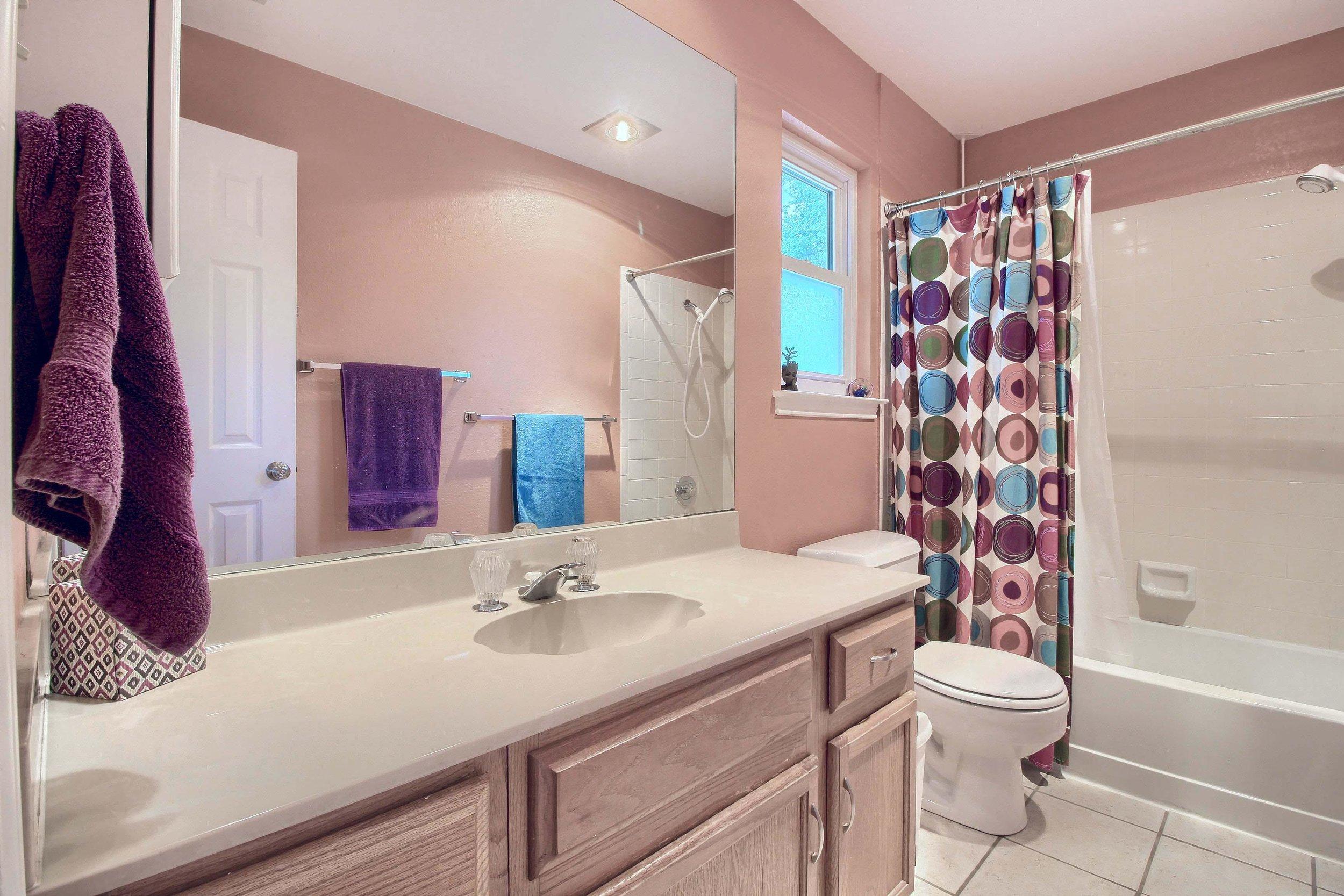 07_Bathroom_IMG_7976.JPG