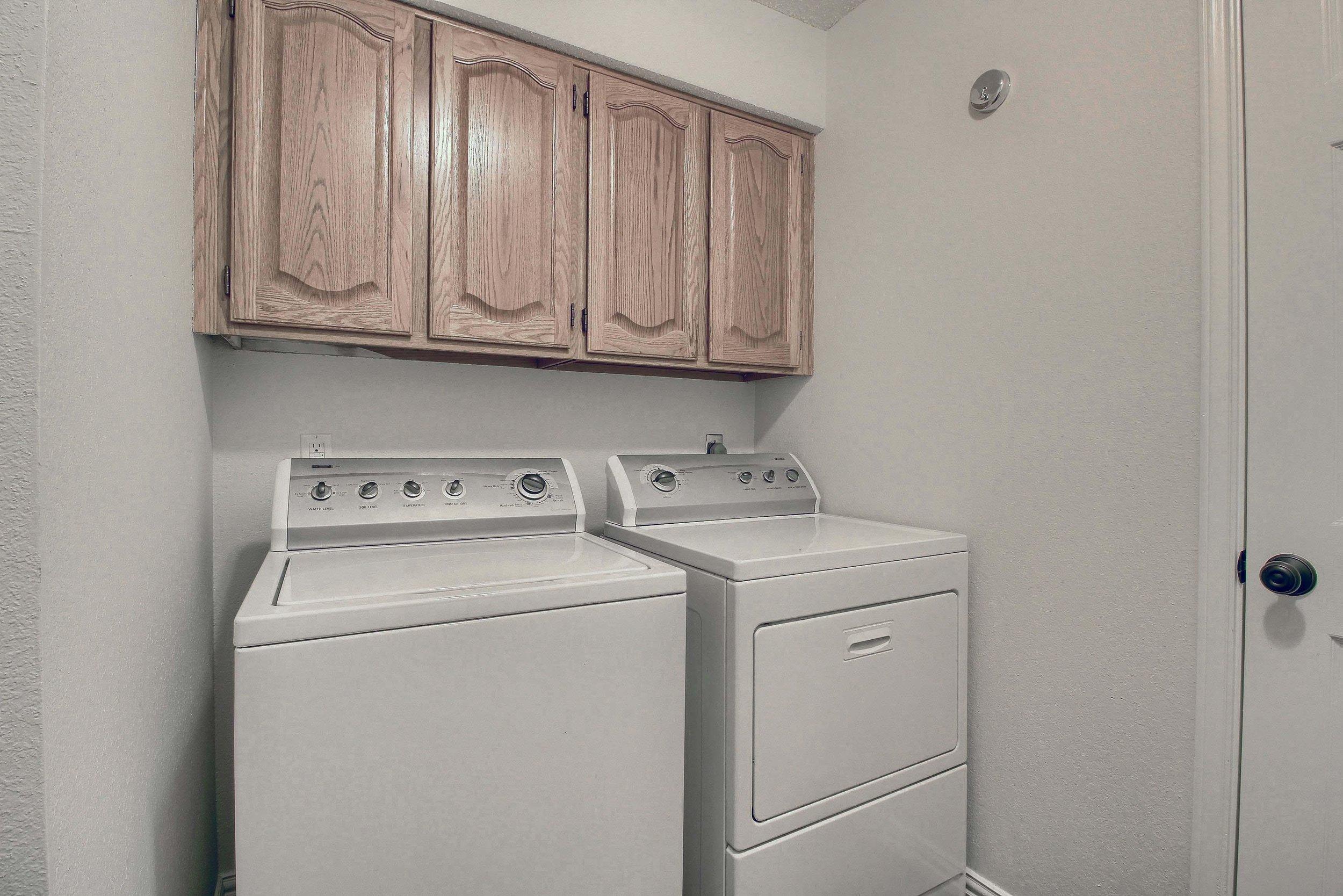 13_Laundry_Room_IMG_8566.JPG