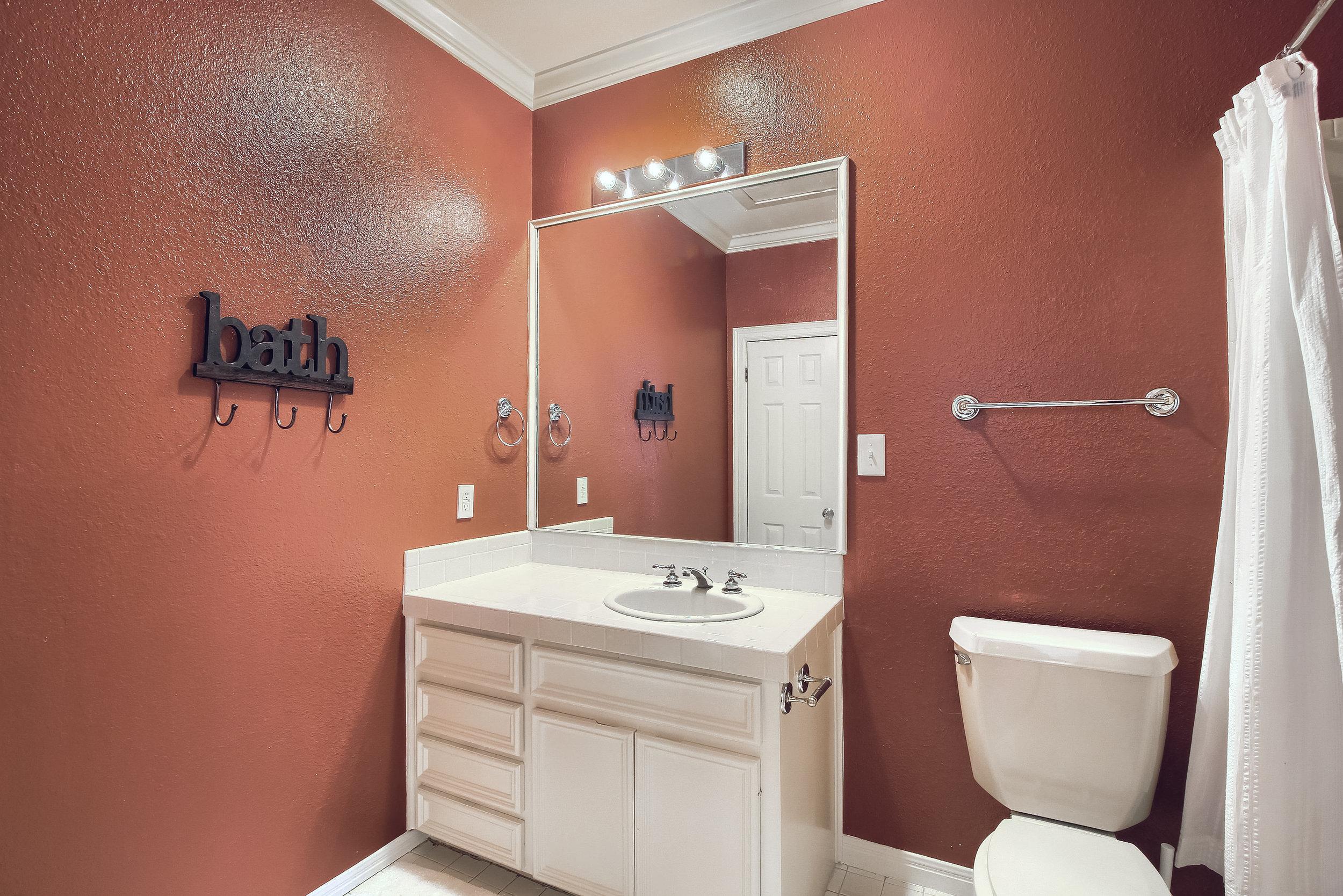 07_Bathroom_IMG_0232.JPG