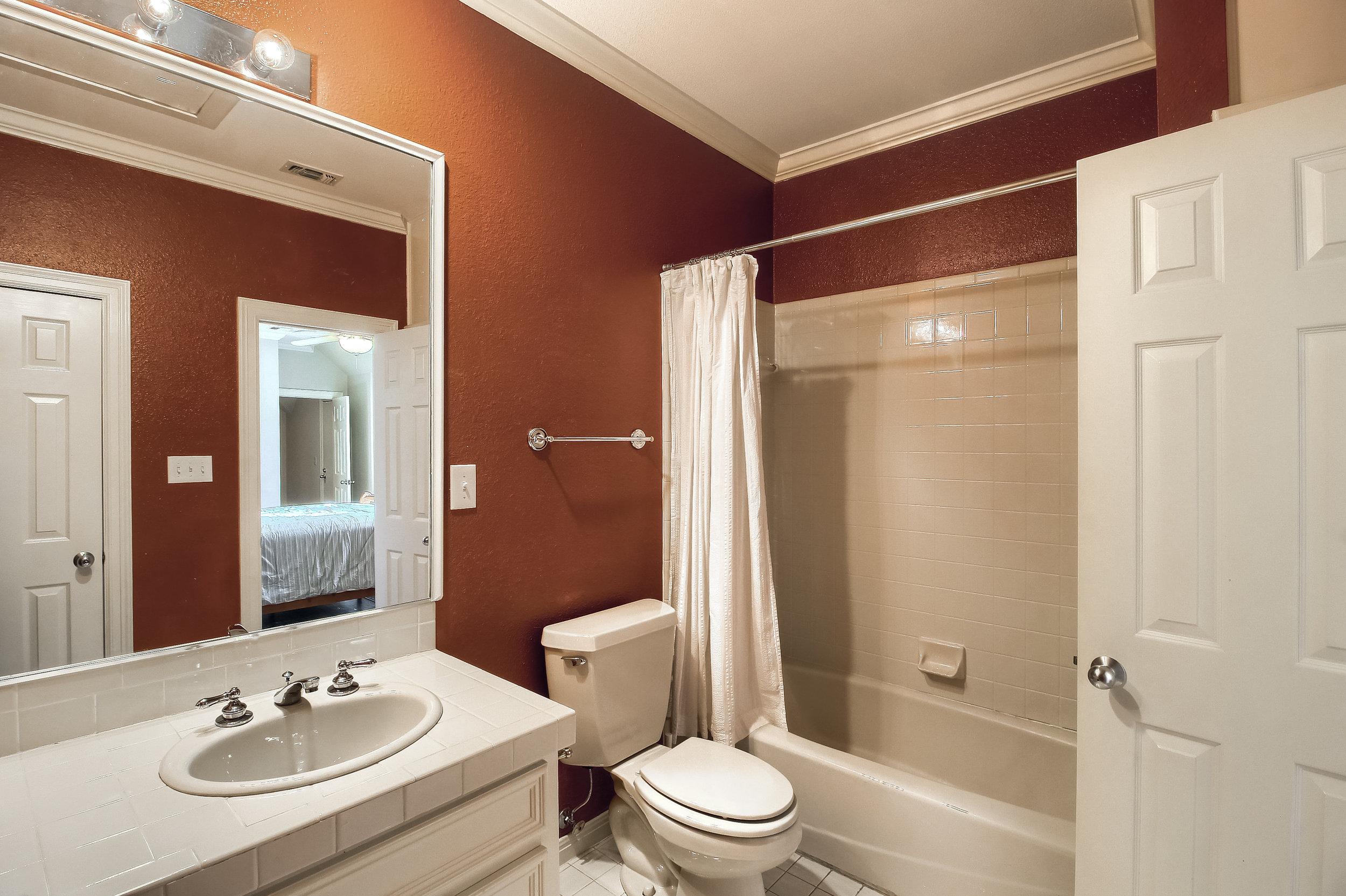 07_Bathroom_IMG_0242.JPG