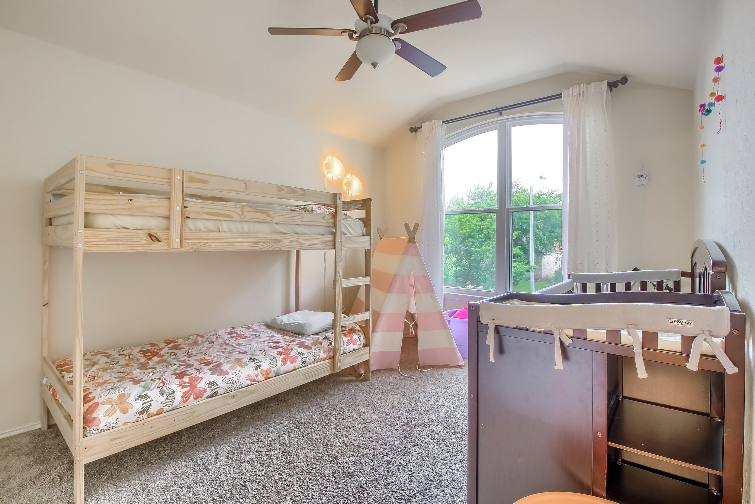 06_Bedroom_IMG_2202.JPG