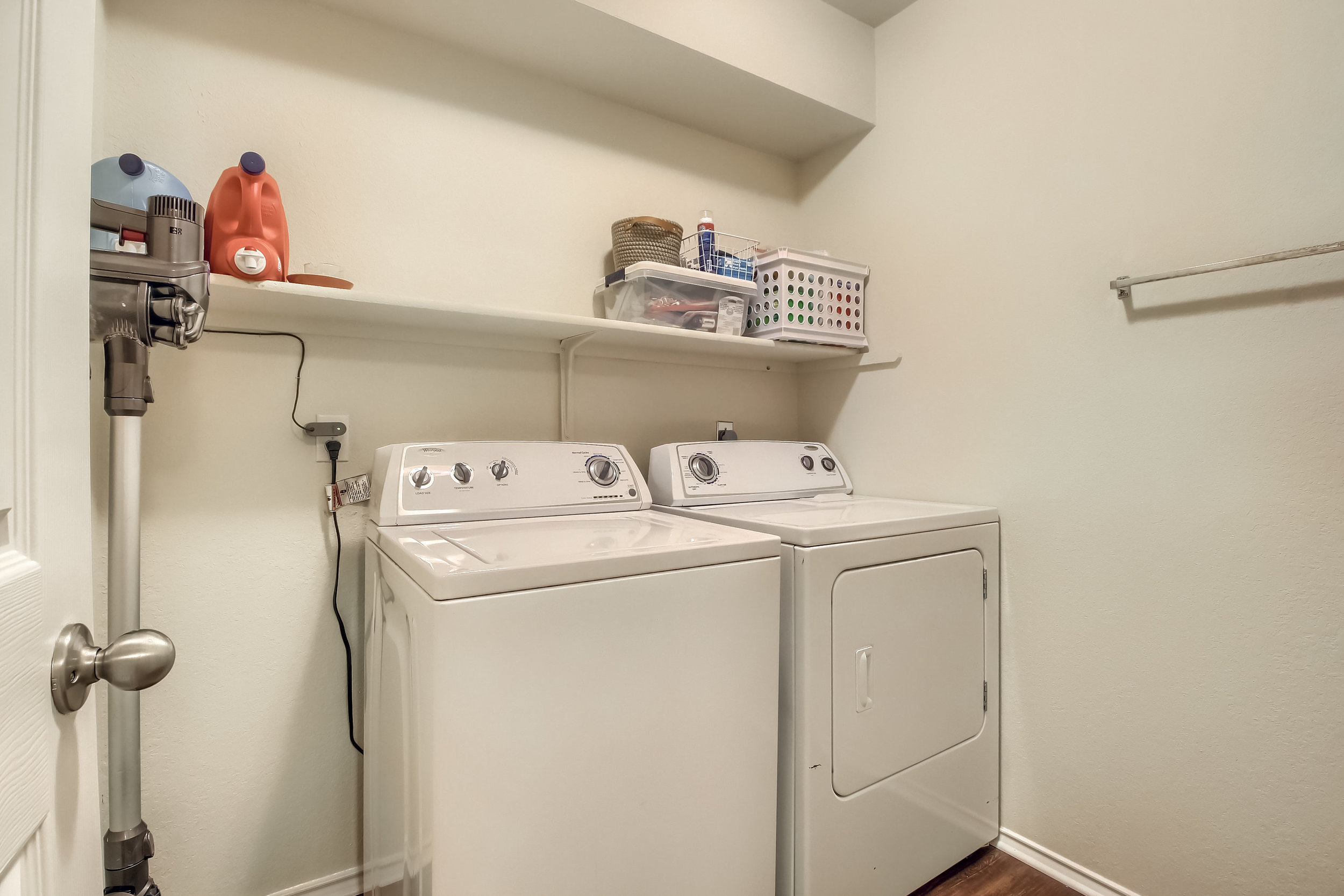 13_Laundry_Room_IMG_2062.JPG