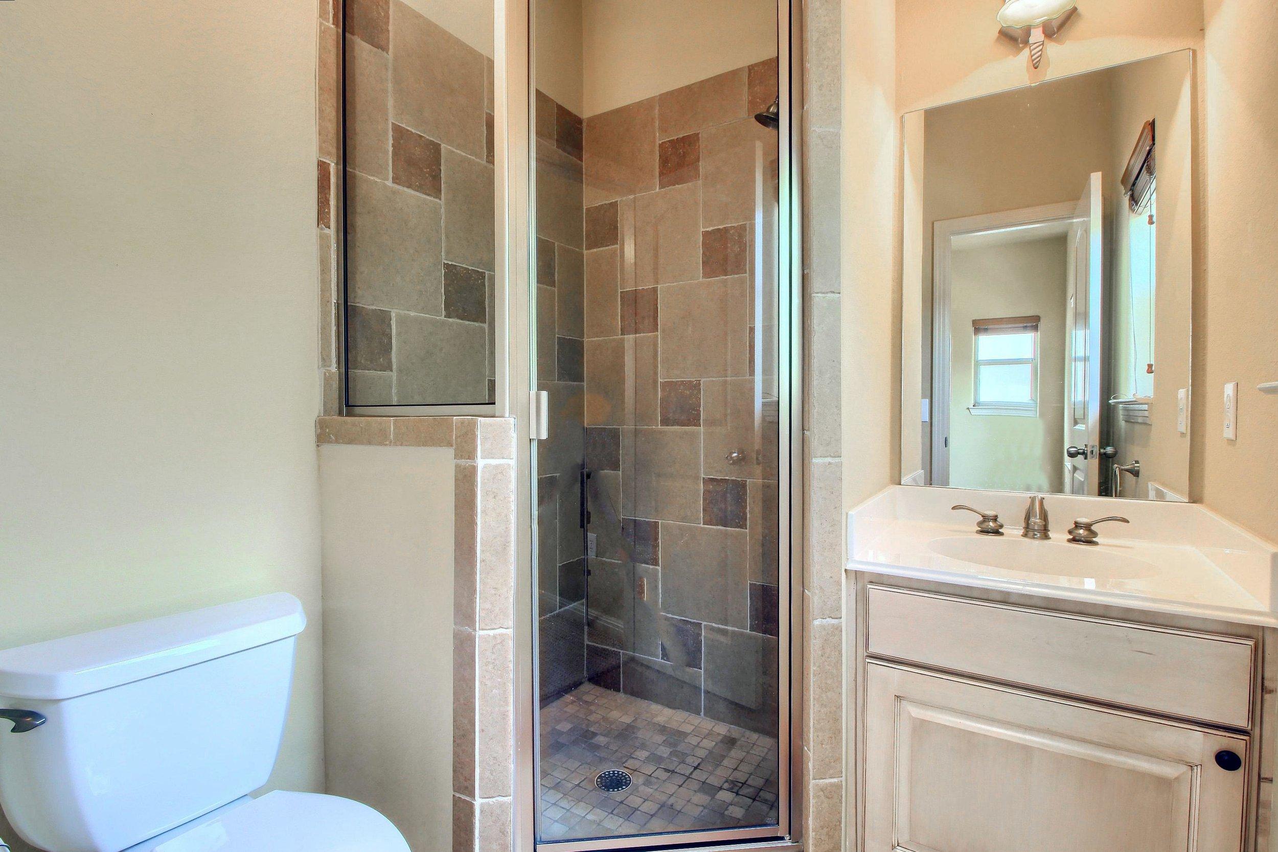 07_Bathroom_IMG_0926.JPG
